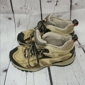 Merrell Womens Dust Olive Trail Shoes Vibram 7.5